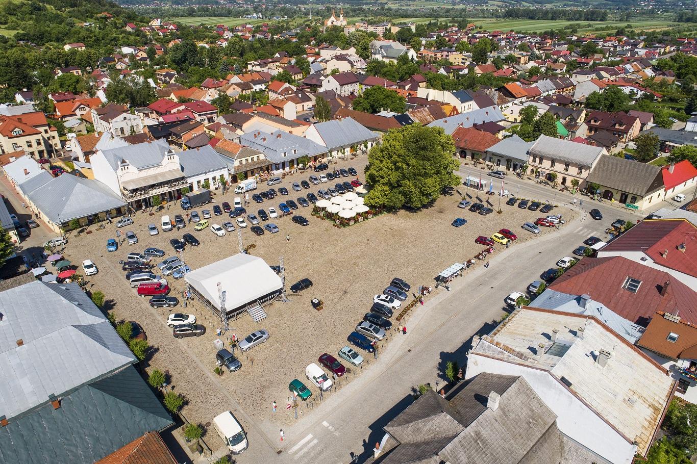 Stary Sacz, 29.05.2018 r. lotnicza panorama miasta, rynek miejski. EU, PL, Warm-Maz. Lotnicze.